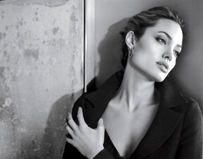 555_angelina-appears-in-an-ad-for-luxury-apparel-label-st-john
