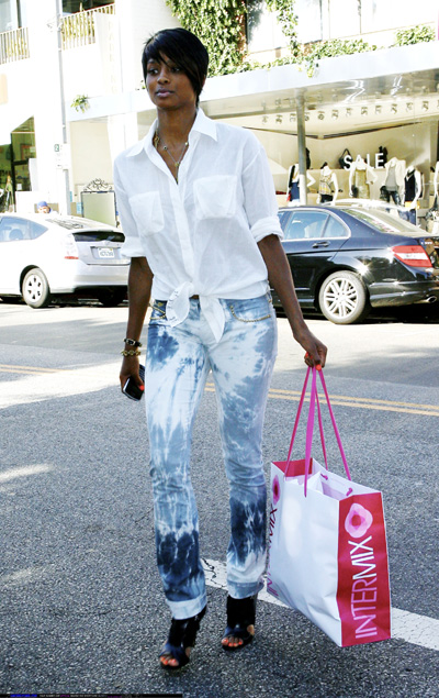 ciara-with-shopping-bag